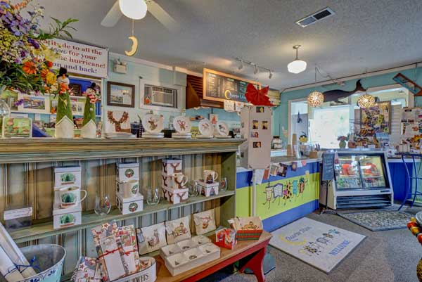 Topsail NC Quartermoon Bookstore and Wine Bar